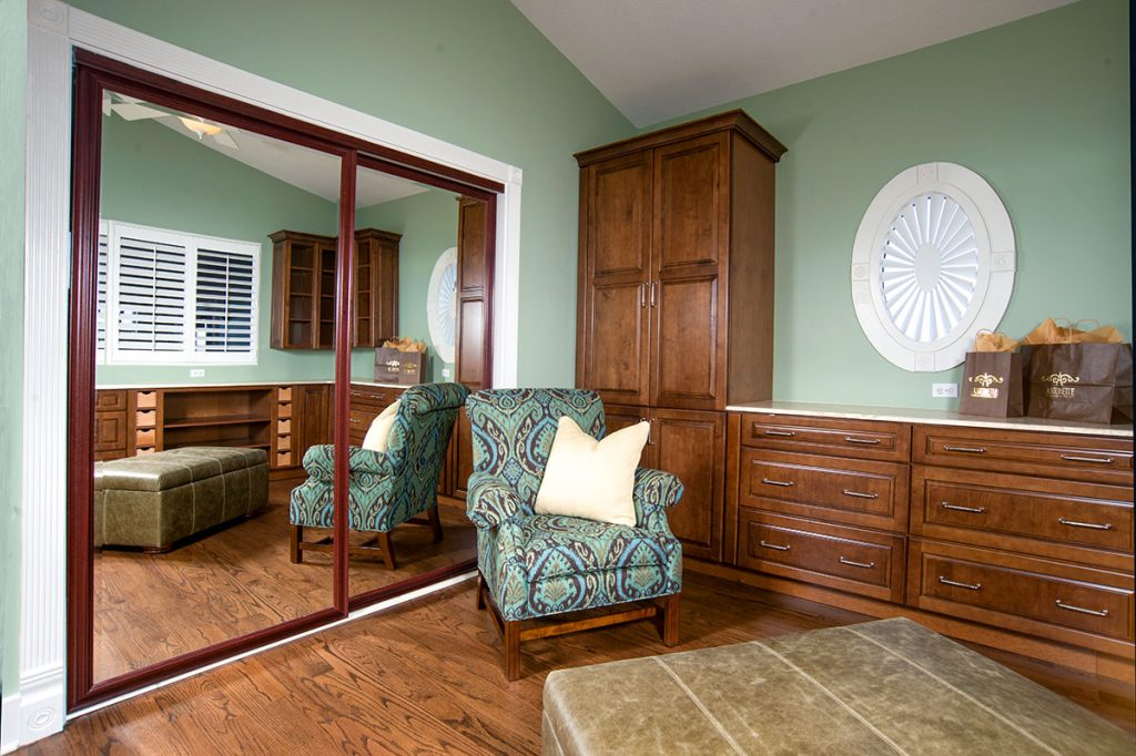 sitting and dressing area